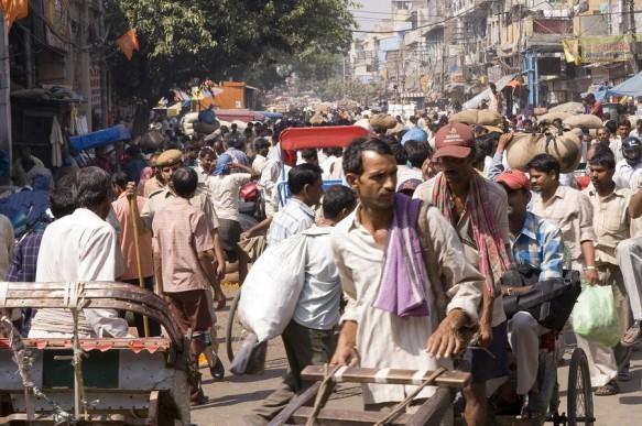 bigstock-Crowded-Indian-Street-Scene-3775703