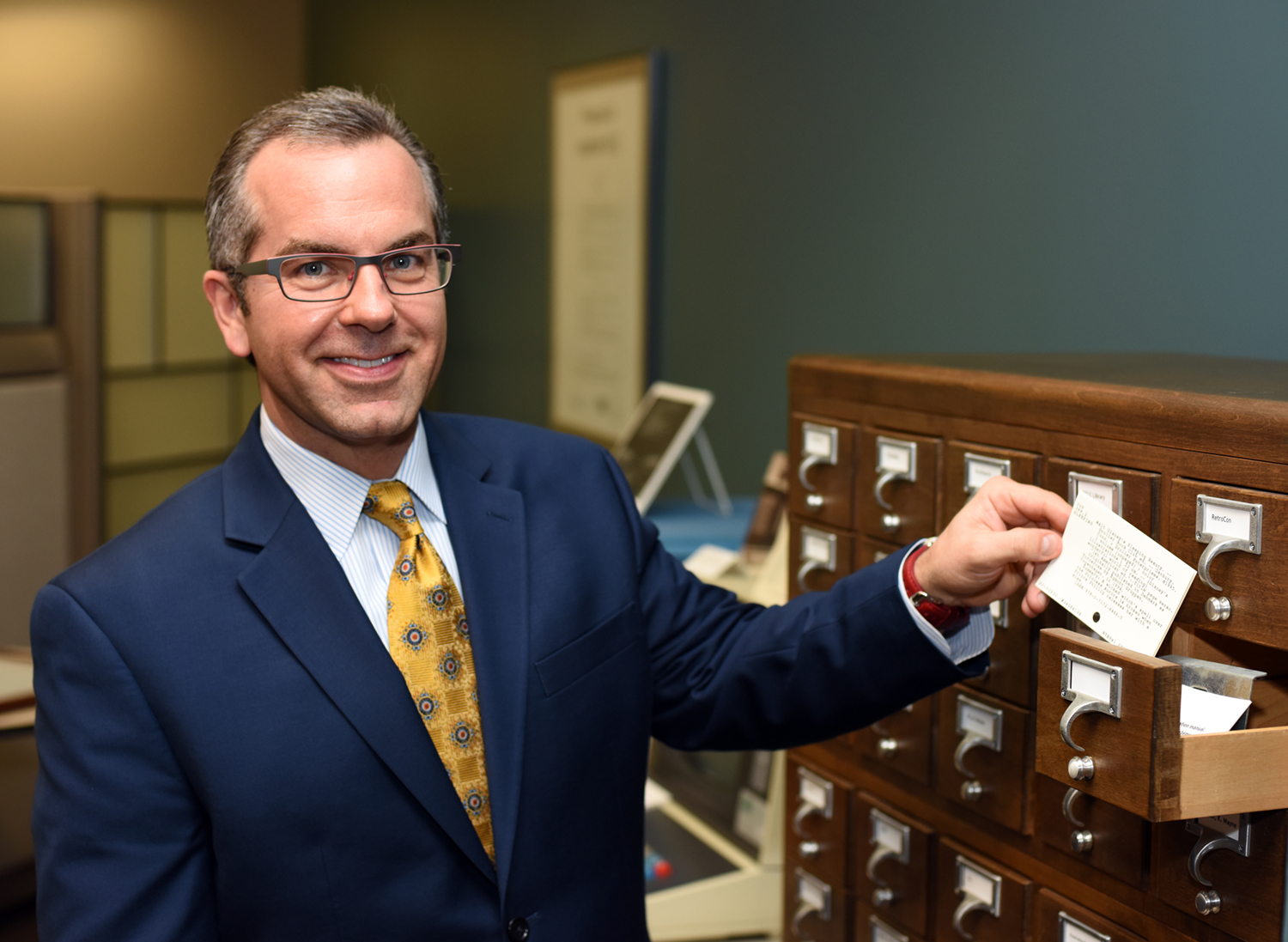 Skip Prichard with the last OCLC printed catalog card