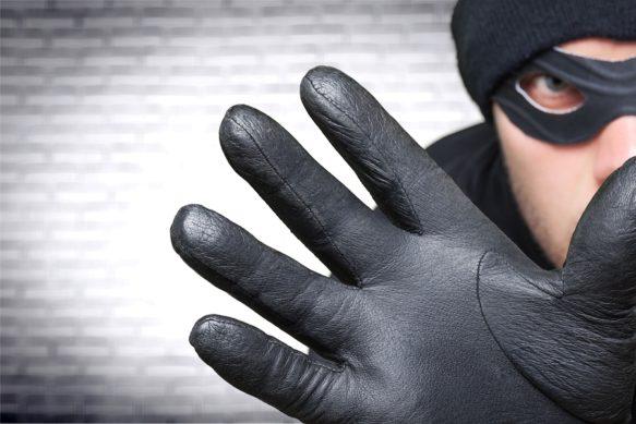 bigstock-Thief-109511021-2-583x389